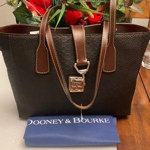 Dooney& Bourke Shannon Tote Bag.
